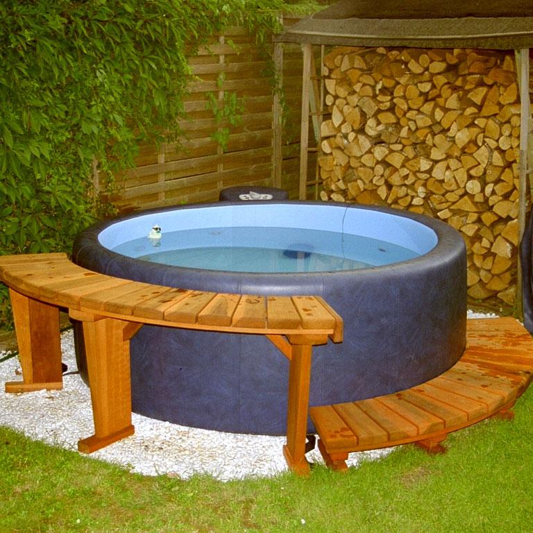 legend-saphire-blau-holzumrandung-softub-whirlpool-angebote-aquasaar
