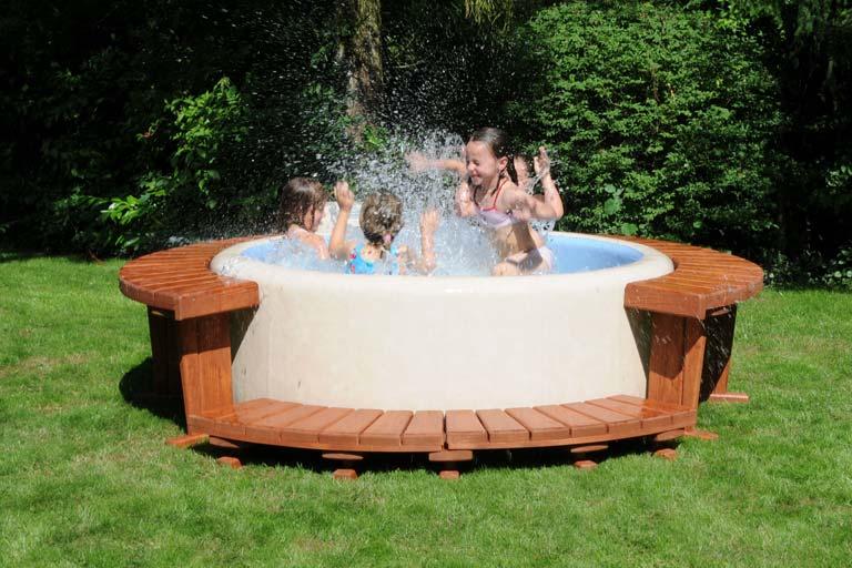 treffpunkt-der-familie-softub-whirlpool-1-content-image-landscape